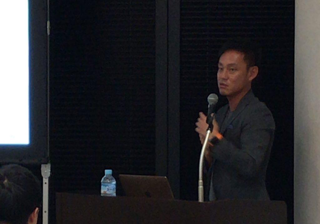 BBCプログラムにて講演する坪井大輔